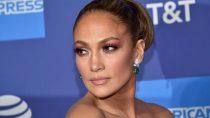 Rested Jennifer Lopez (50) showed off her body in a bikini.